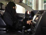 اللائي يحملن رخص قيادة مناسبة