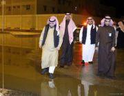 نائب أمير الجوف يتفقد أحياء وشوارع سكاكا عقب الأمطار الغزيرة بالمنطقة