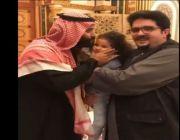 ولي العهد يزور الأمير عبدالعزيز بن فهد في منزله
