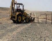 إزالة تعديات على أراضٍ حكومية في مركز الحسي بأملج